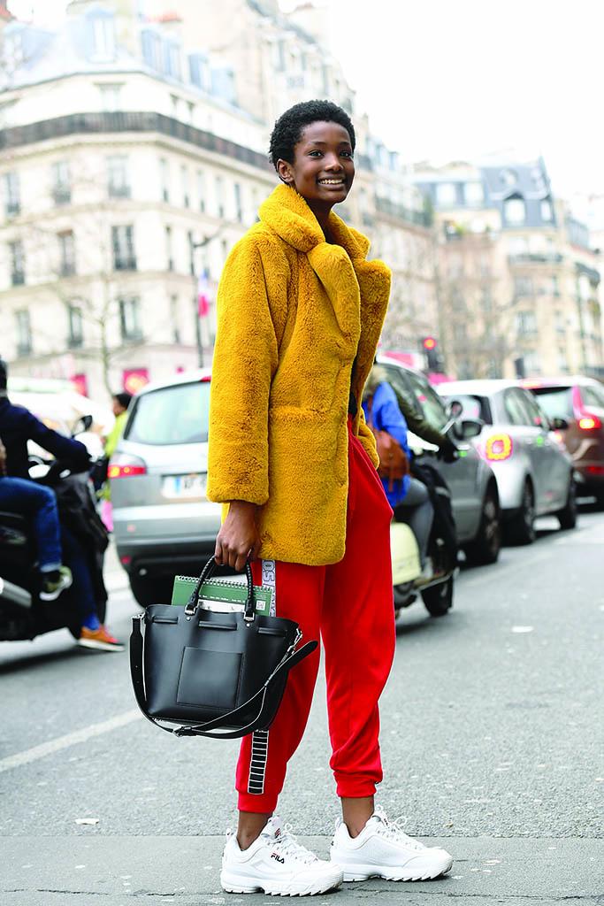 gorąca wyprzedaż styl mody najnowsza zniżka Białe sneakersy damskie i męskie - More than blog