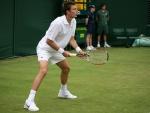 Nicolas_Mahut_at_the_2009_Wimbledon_Championships_01